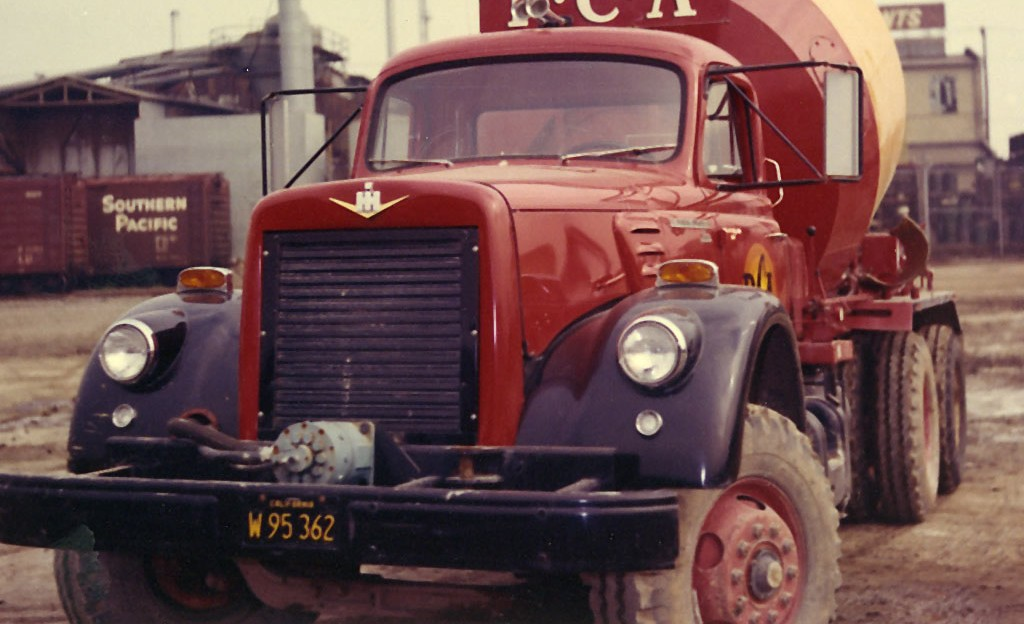 T.L. Smith Company Old Truck Photo Circa 1961